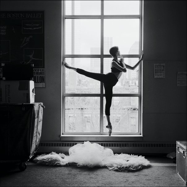 art-ballerina-beautiful-black-and-white-blackampwhite-Favim.com-334175